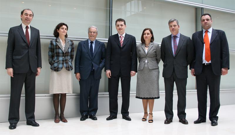 Antonio Garrigues y los socios de Garrigues responsables de Rumanía junto con la delegación rumana