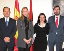 Carmen Pérez Andújar (segunda por la derecha) junto al resto de ponentes