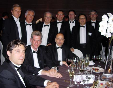Antonio Garrigues acompañado por Miguel Gordillo, socio director, Fernando Rey, director de la oficina de Barcelona y varios socios de la firma.