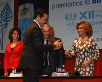 Jorge Rodrigo, director gerente de Madrid Movilidad, recoge el premio a la entidad del Ayuntamiento de Madrid