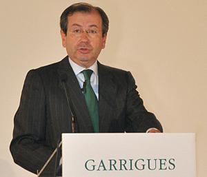 Fernando Vives, socio director de Garrigues, durante su intervención en la Junta de Socios del despacho