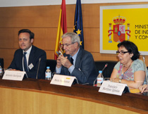 Vicente Bootello, socio de Fiscal de Garrigues, Antonio Garrigues y María Paz Ramos, consejera delegada de Invest in Spain